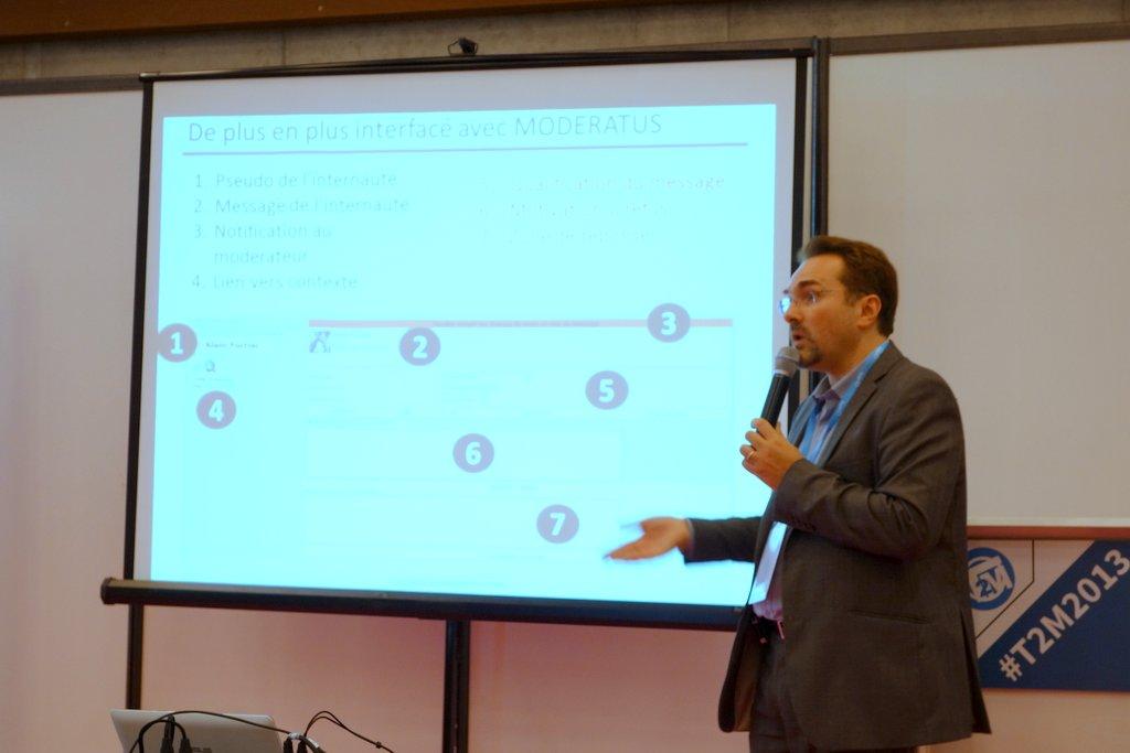 Jean-Marc Royer anime une conférence autour de la Moderation 2.0